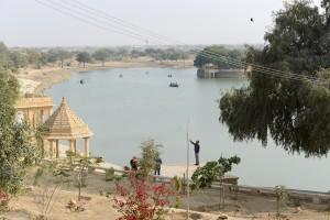 Dammen, den konstgjorda sjö, Lake Gadsiar