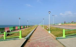 Strandpromenad, föga utnyttjad