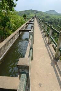 Akvedukten med plats för promenad