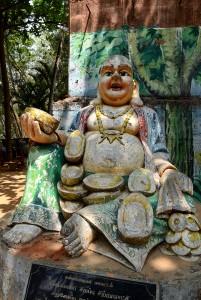Lekplats med Buddha